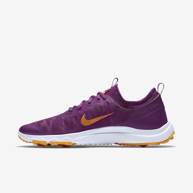 low priced b1756 c9544 ... Chaussures de sport Nike FI Bermuda femme Violet cosmique Blanc Orange  vif ...